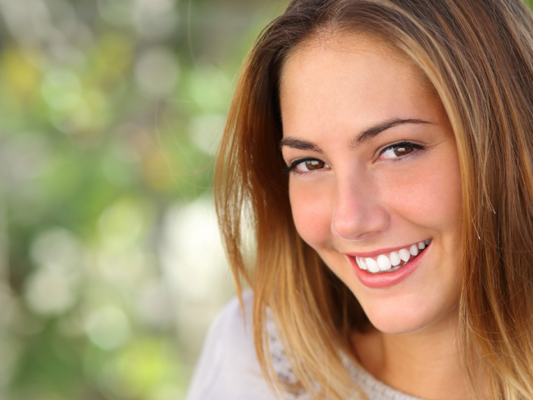MULTIPLE COSMETIC TEETH WHITENING PROCEDURES